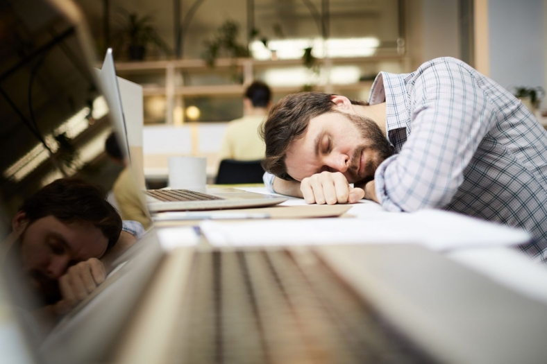 Powernapping: Nickerchen im Büro