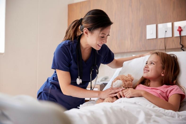 Gesundheits- und Kinderkrankenpfleger: Berufsbild, Arbeitsalltag und Ausbildung