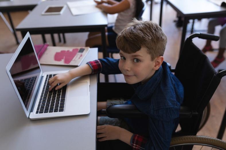 Was macht ein Schulbegleiter? Ausbildung, Aufgaben, Arbeitsalltag