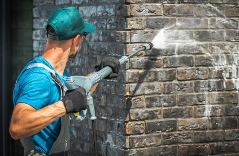 Gebäudereiniger: Berufsbild, Ausbildung, Karrierechancen