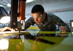 Vom Facharbeiter zur Führungskraft: Wie werden Sie Industriemeister?