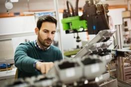 Maschinenbautechniker: Berufsbild, Karrierechancen, Verdienst