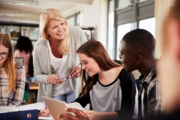 Sozialarbeiter: Berufsbild, Ausbildung, Karrierechancen