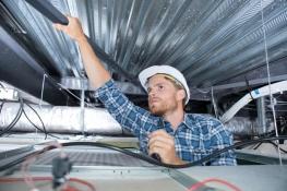 Bauelektriker: Berufsbild, Ausbildung, Karrierechancen
