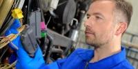 Systemelektroniker: Berufsbild, Ausbildung, Karrierechancen