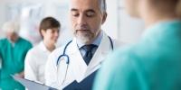 Chefarzt: Leitender Mediziner mit Managementaufgaben